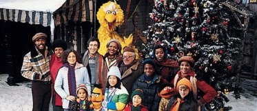 christmas_eve_on_sesame_street_pdp_lowres-detail-main